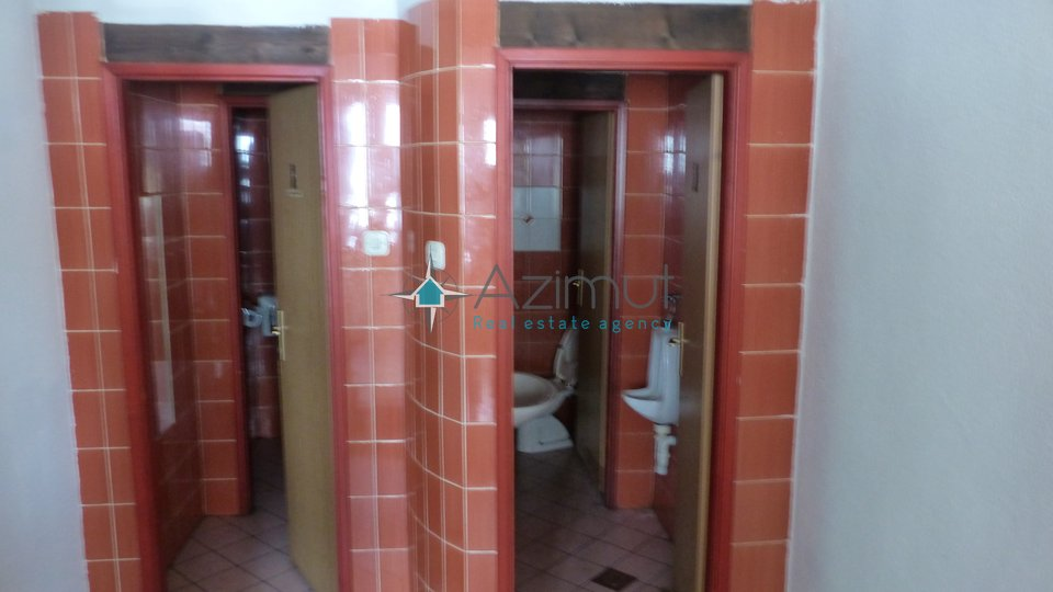 Commercial Property, 240 m2, For Rent, Rijeka - Centar