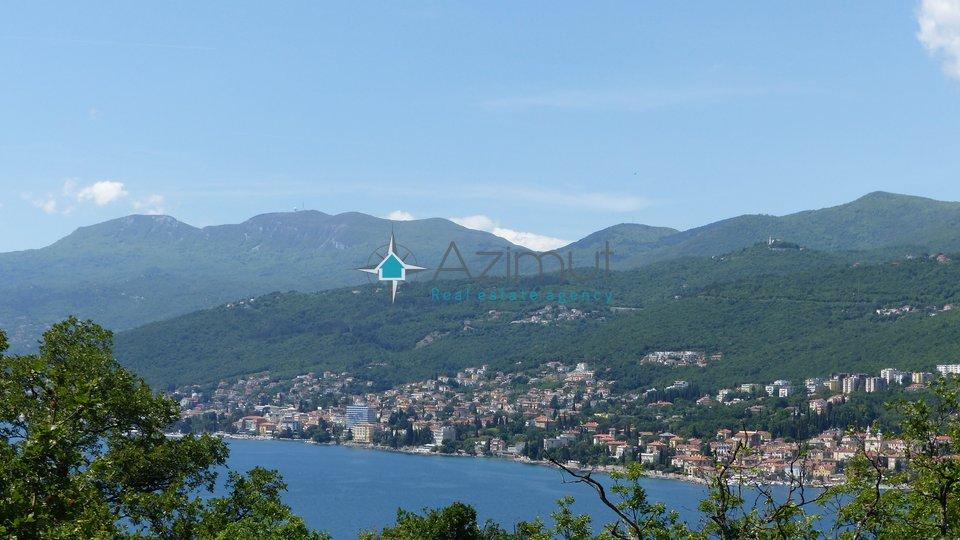House, 900 m2, For Sale, Opatija
