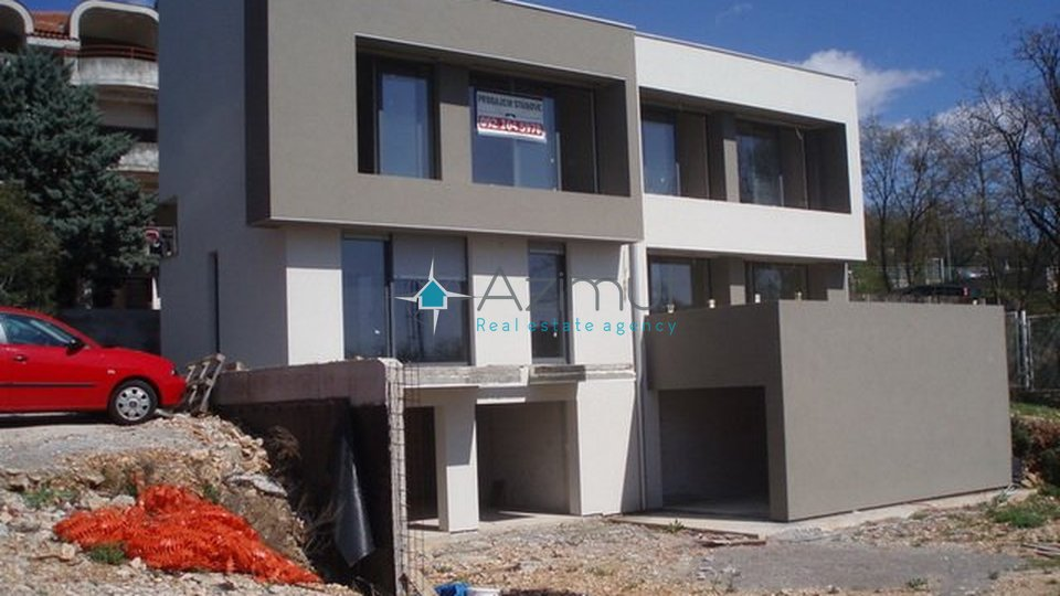 House, 352 m2, For Sale, Kostrena