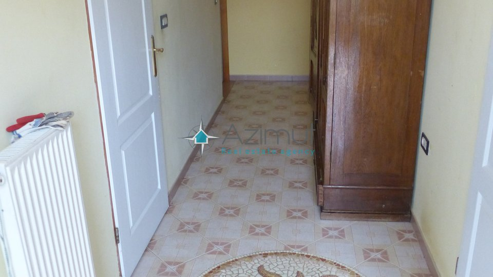 Kostrena, stan, 3S + DB, 130 m2 + okućnica