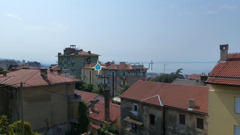 Rijeka, Belveder, garsonijera, 38 m2, s pogledom na more