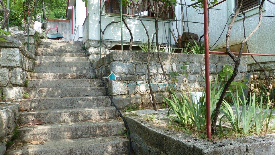 Poljane, samostojeća kuća, 750 M2