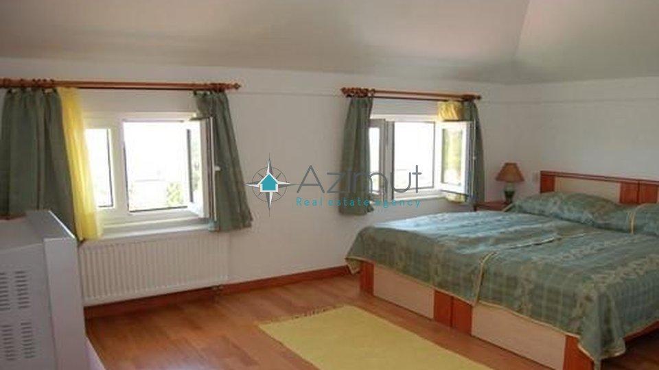 Viškovo, Marčelji, samostojeća kuća, 540 m2
