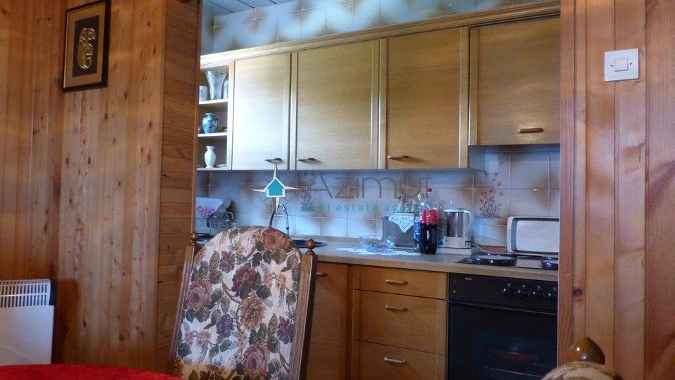 Viškovo, samostojeća kuća, 200 m2, velika okućnica