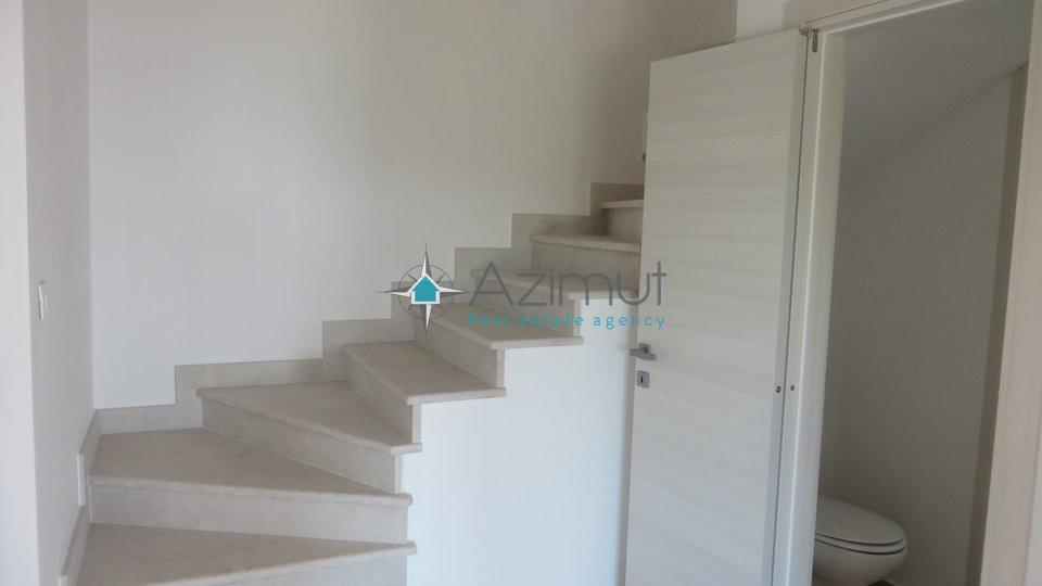 Bregi, kuća 240 m2 + okućnica 700 m2
