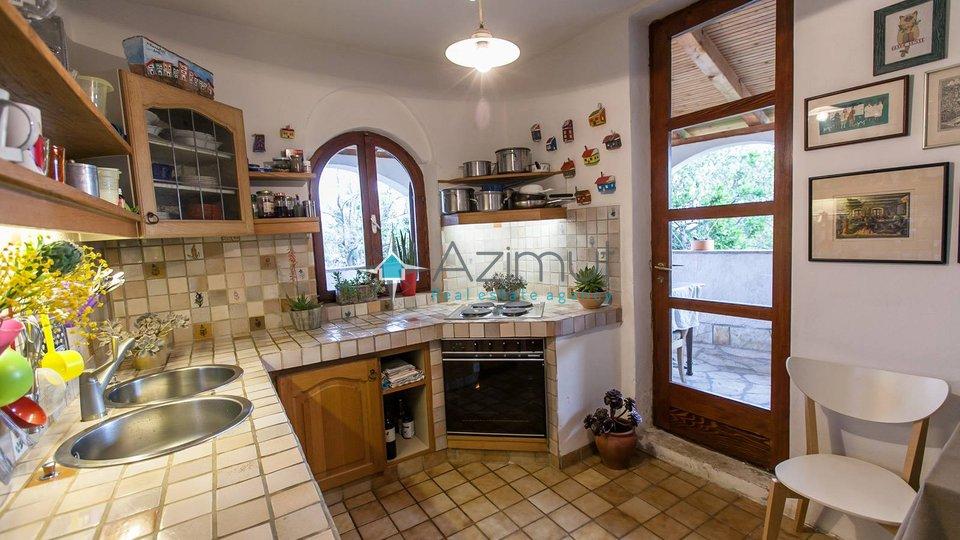 Haus, 430 m2, Verkauf, Novi Vinodolski