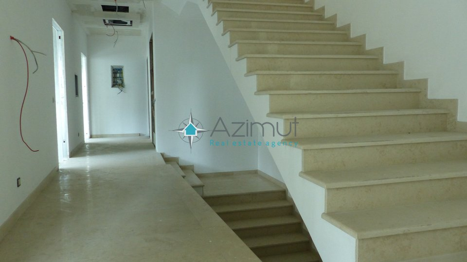 Commercial Property, 740 m2, For Sale, Rijeka - Centar