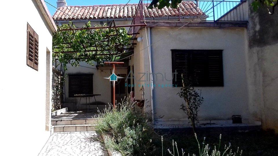 Novi Vinodolski, samostojeća kuća, 133m2