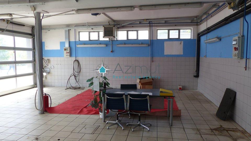 Geschäftsraum, 680 m2, Verkauf, Rijeka - Diračje