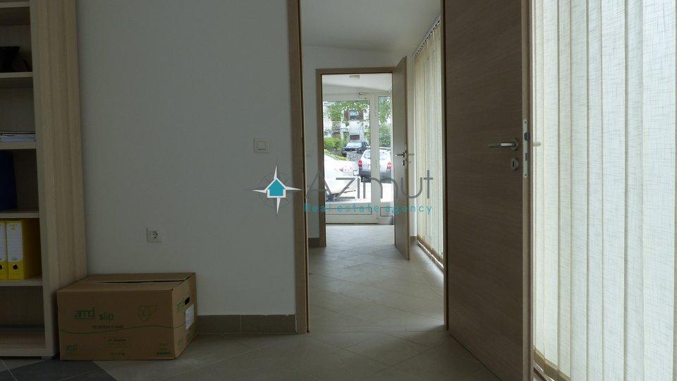 Geschäftsraum, 160 m2, Vermietung, Matulji