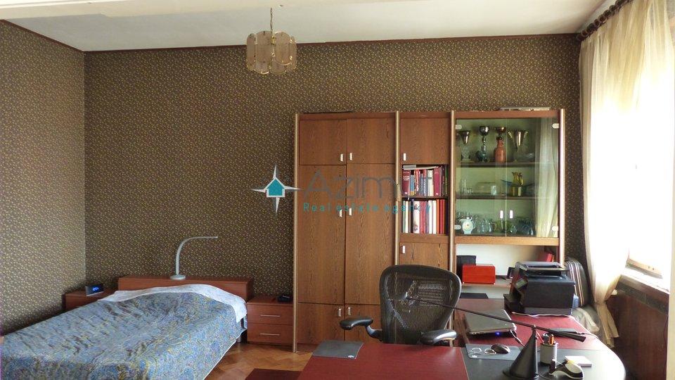Rijeka - centar, stan, 3s + db, 160 m2