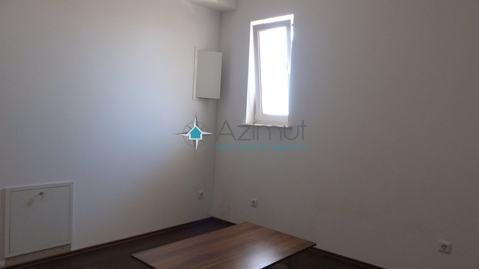 Commercial Property, 43 m2, For Rent, Rijeka - Srdoči