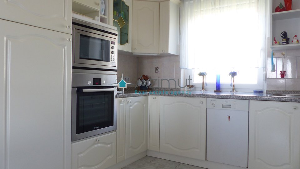 House, 415 m2, For Sale, Rijeka - Marinići