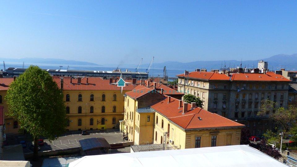 Rijeka, Brajda, stan, 2s + db, 76 m2