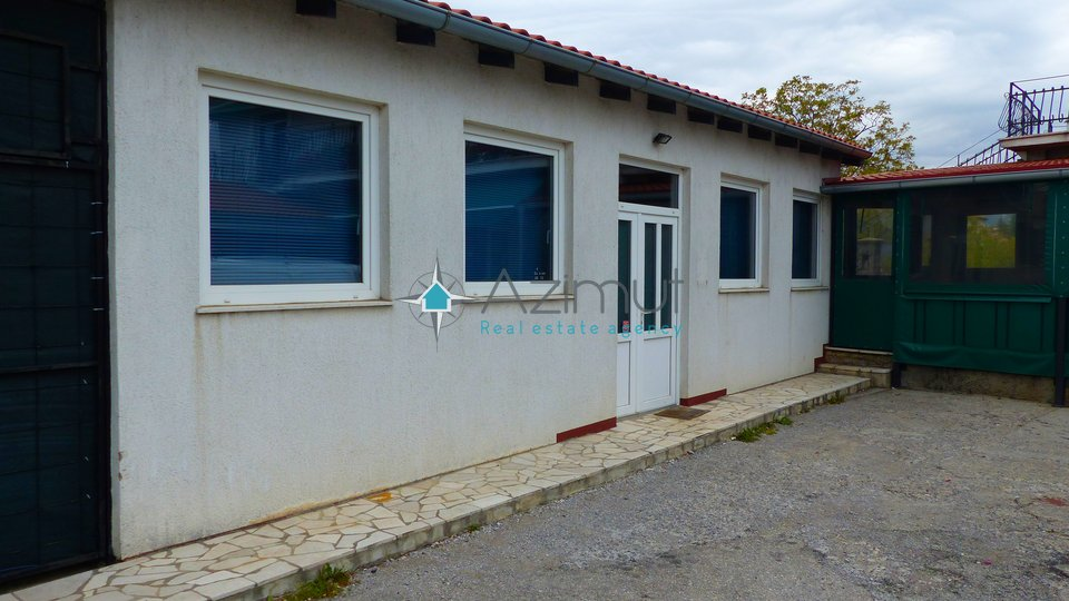 House, 450 m2, For Sale, Čavle