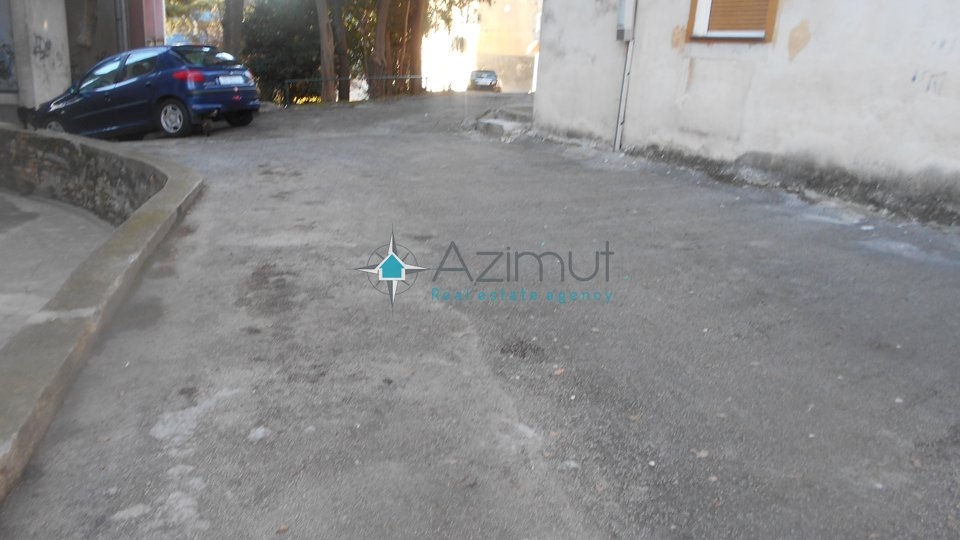 Garage, 17 m2, For Sale, Rijeka - Mlaka
