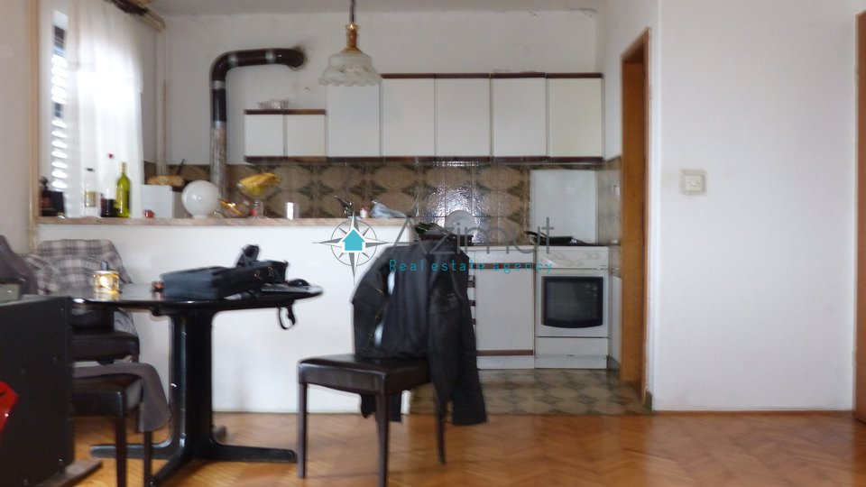 House, 300 m2, For Sale, Praputnjak