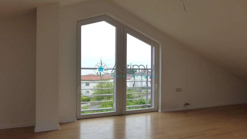 Wohnung, 120 m2, Vermietung, Rijeka - Marinići