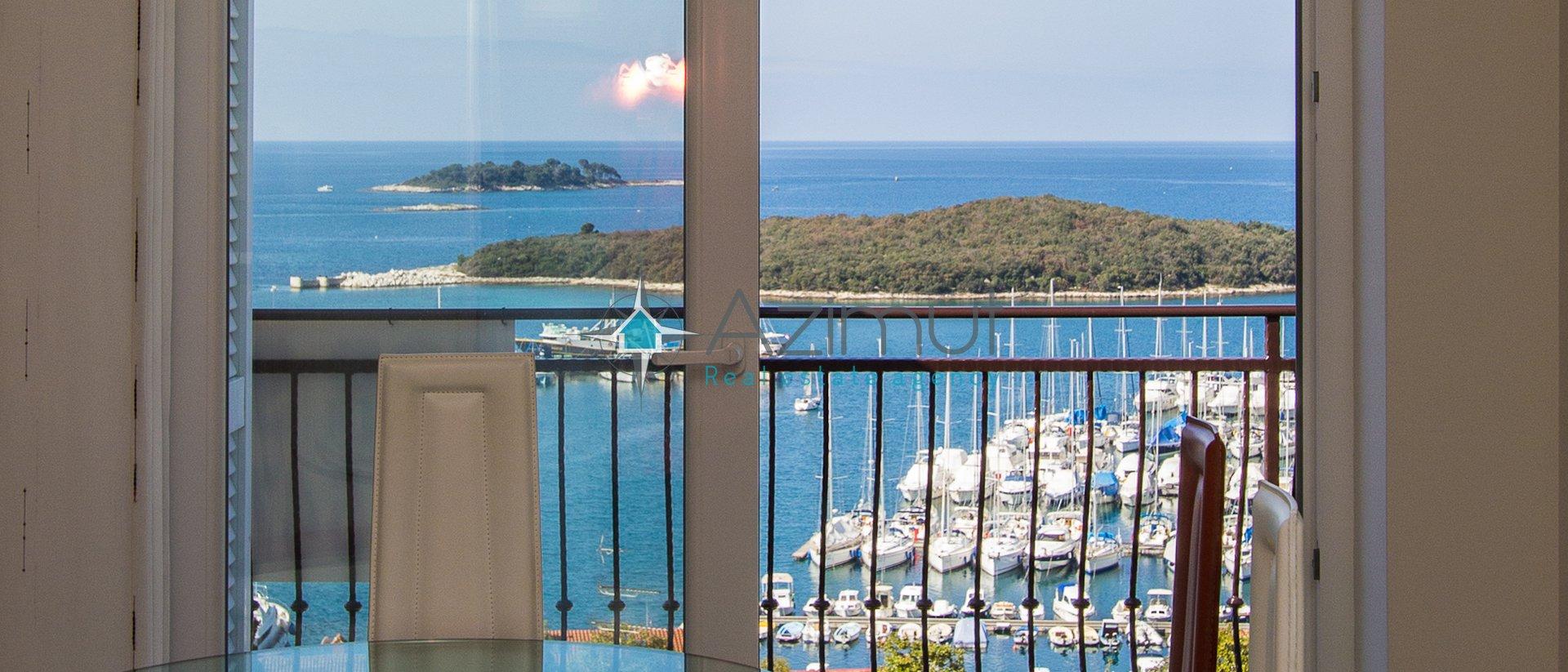 Vrsar, prodaja trosobnog apartmana sa pogledom na more