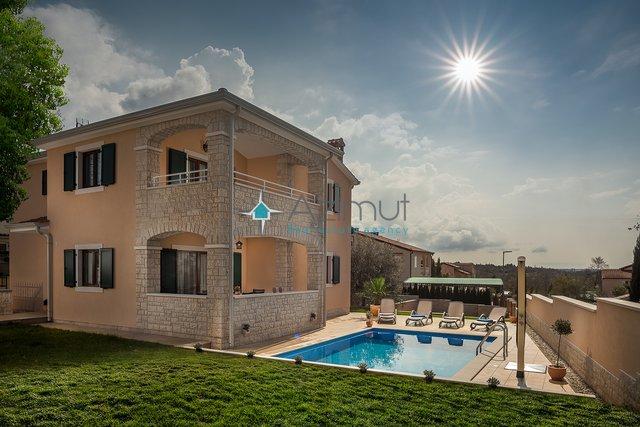 Hiša, 165 m2, Prodaja, Vabriga