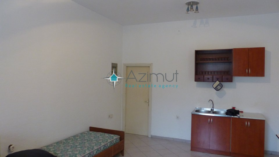 Commercial Property, 27 m2, For Rent, Viškovo