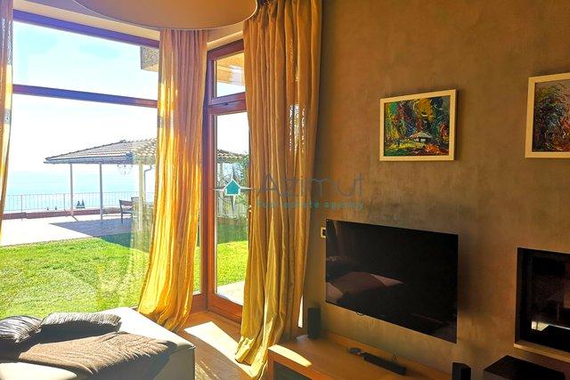 Hiša, 230 m2, Prodaja, Lovran