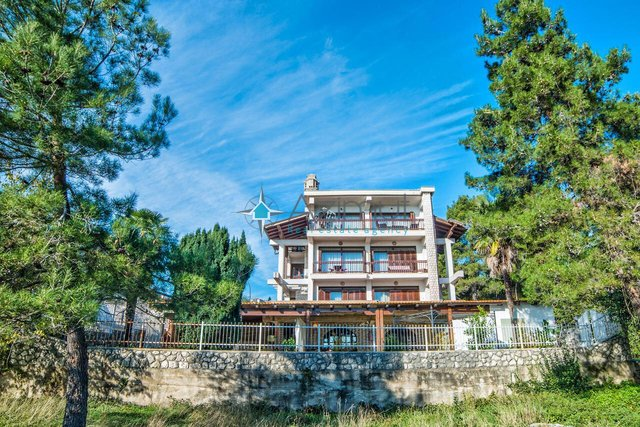 House, 433 m2, For Sale, Opatija