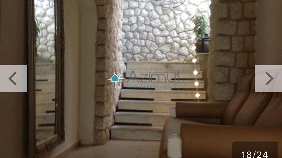 Opatija,obiteljski hotel - pansion sa 10 stambenih jedinica - odlična lokacija!