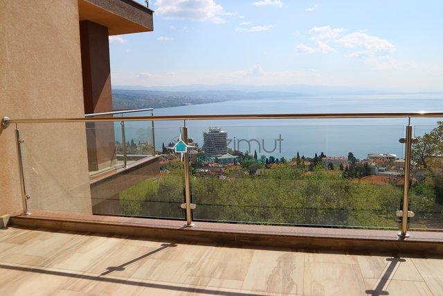 Opatija, stan 76,45 m2, 2S+DB, otvoren pogled na more, okućnica sa bazenom