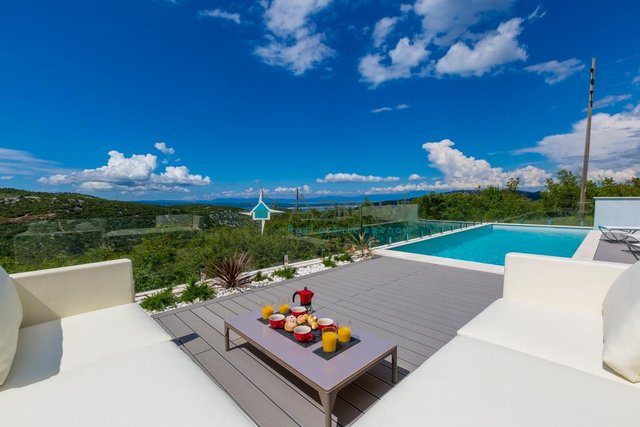 Crikvenica, Modern house with beautiful sea view for sale