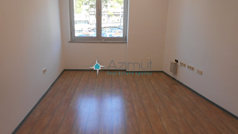 Commercial Property, 66 m2, For Rent, Rijeka - Centar