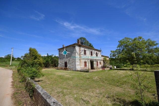 Hiša, 180 m2, Prodaja, Tinjan
