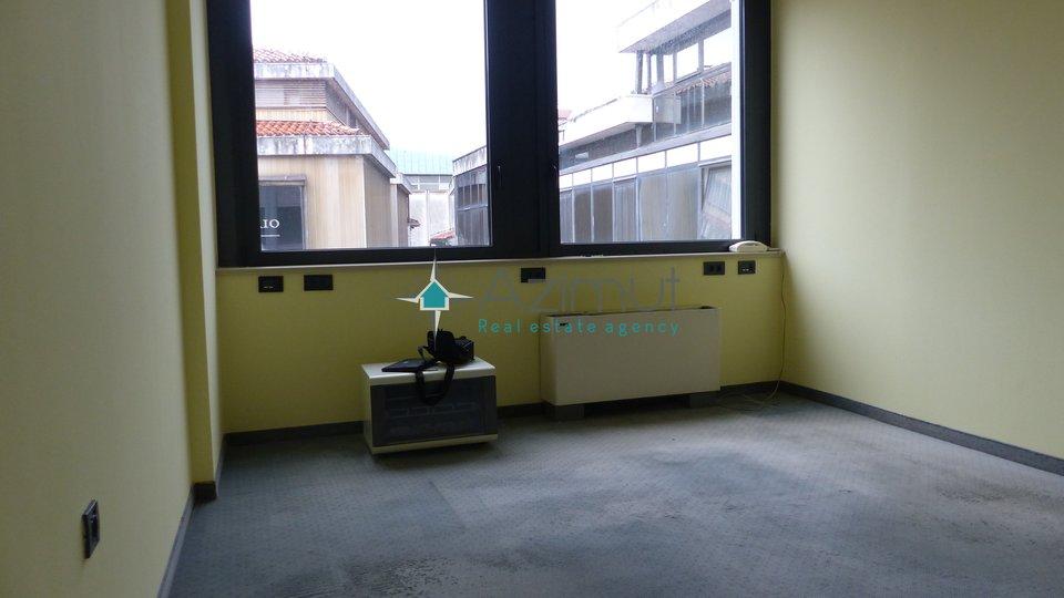 Rijeka, centar, poslovni prostor, 40 m2