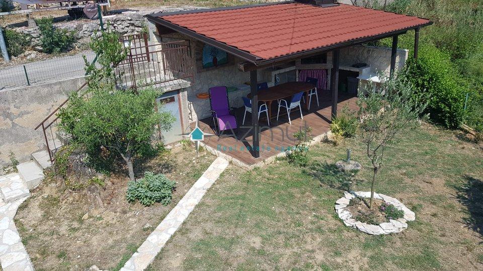 Otok Krk, Čižići, Kuća sa 2 apartmana, 150 m2