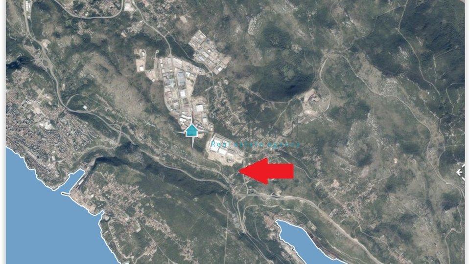 Kukuljanovo, građevinsko zemljište (poslovna namjena) uz cestu, 1200 m2