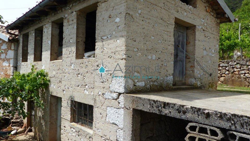 Lovran, Imanje od 1300 M2, 3 starine