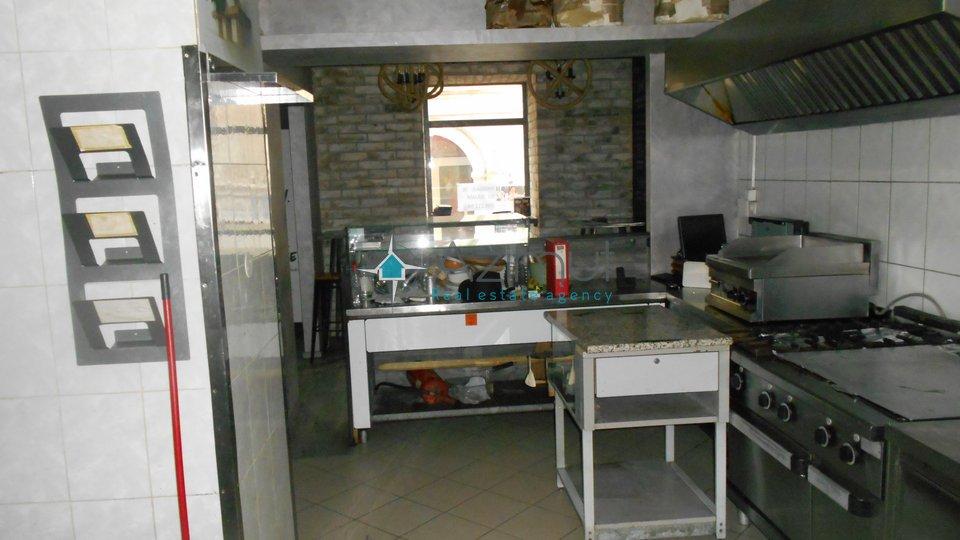 Rijeka - centar, poslovni prostor, 53,26 m2
