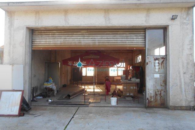 Commercial Property, 170 m2, For Rent, Rijeka - Marinići