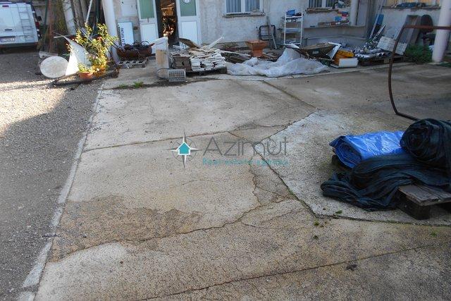Commercial Property, 100 m2, For Rent, Rijeka - Marinići