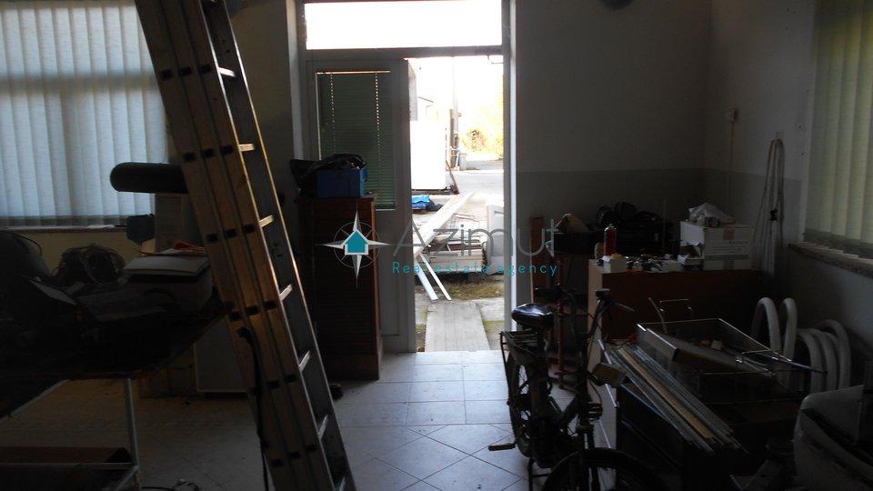 Marinići, poslovni prostor, 100 m2