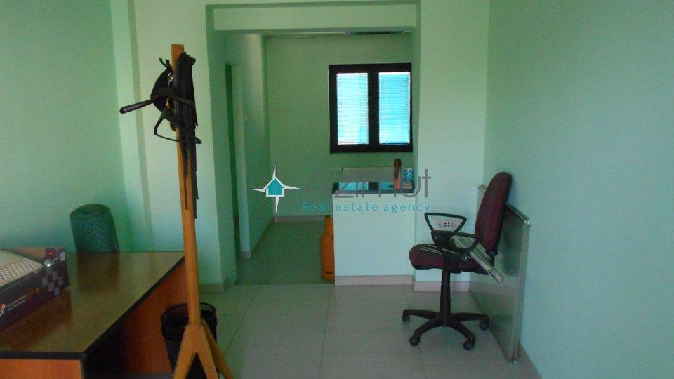 Marinići, poslovni prostor, 40 m2