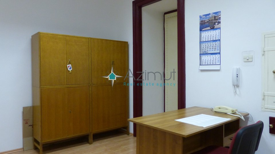 Commercial Property, 61 m2, For Rent, Rijeka - Centar