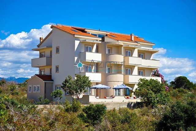 Hotel, 950 m2, For Sale, Novalja