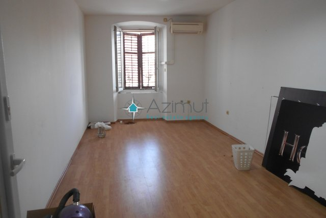 Commercial Property, 36 m2, For Rent, Rijeka - Centar