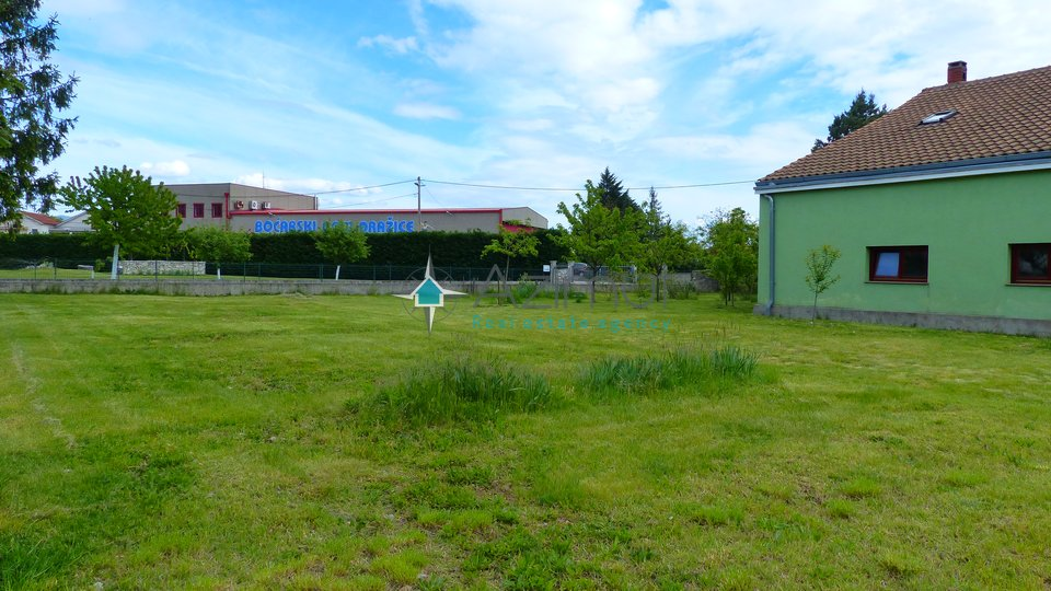 Grobnik, Dražice, centar 630 m2, građevinski teren
