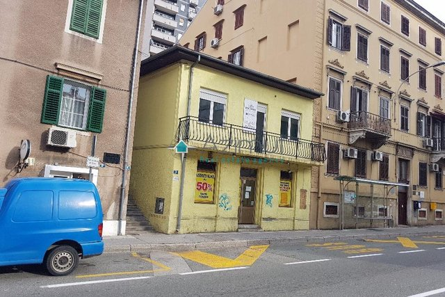 Commercial Property, 38 m2, For Rent, Rijeka - Centar