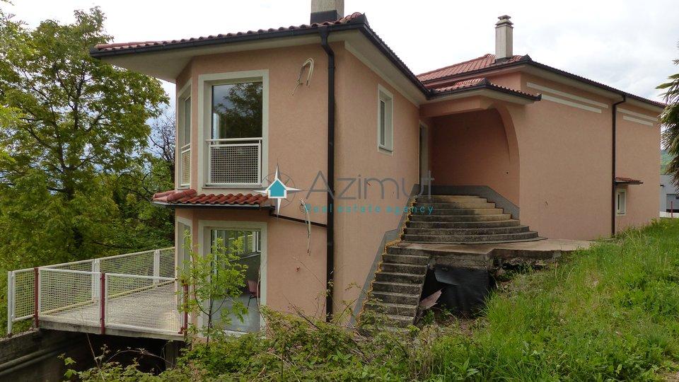 Opatija - Poljane, samostojeća kuća, 400 M2