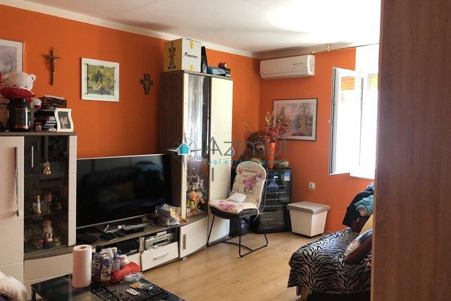 Rijeka, Zamet, stan, 2S klasičan 52 m2