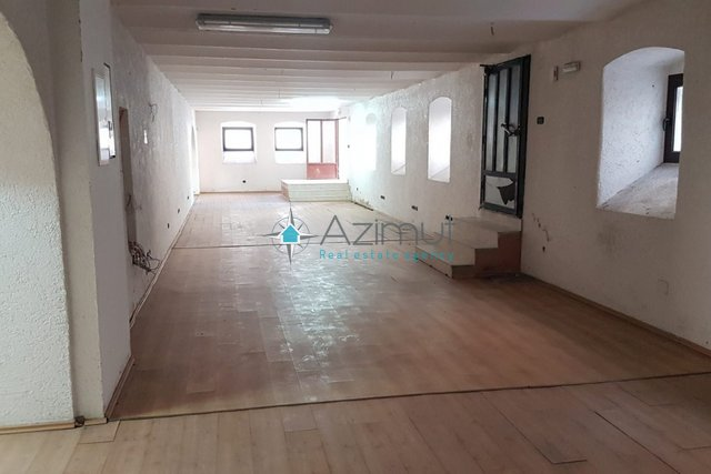 Commercial Property, 191 m2, For Sale, Rijeka - Centar