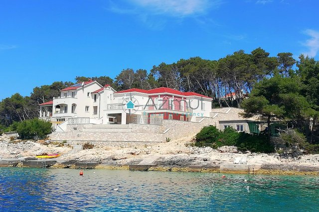 House, 250 m2, For Sale, Korčula